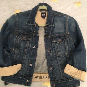 GAP kids Jean jacket almost New